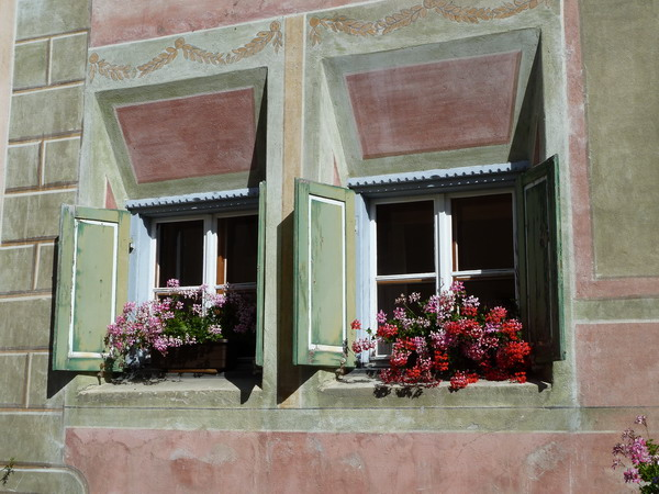 Fensterschmuck in Guarda
