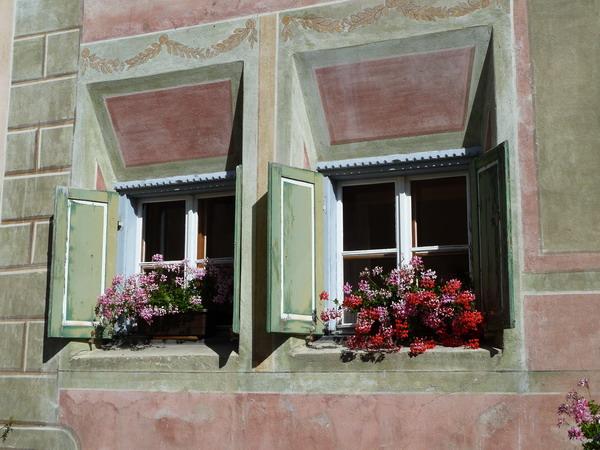 Fensterschmuck in Guarda